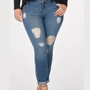 Distressed Slim Boyfriend Jeans 24W